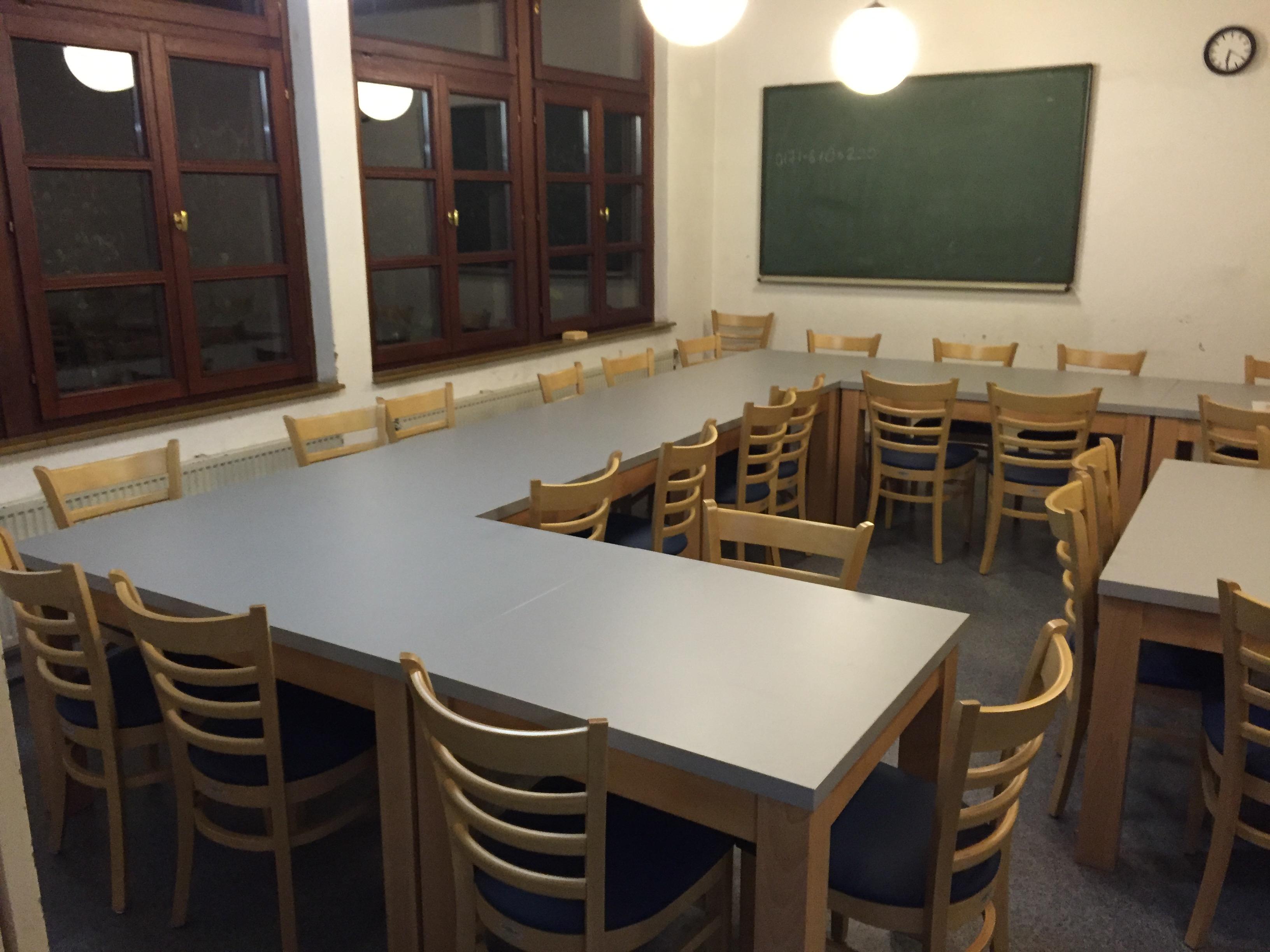 Der Eßraum bietet Platz für 30 Personen